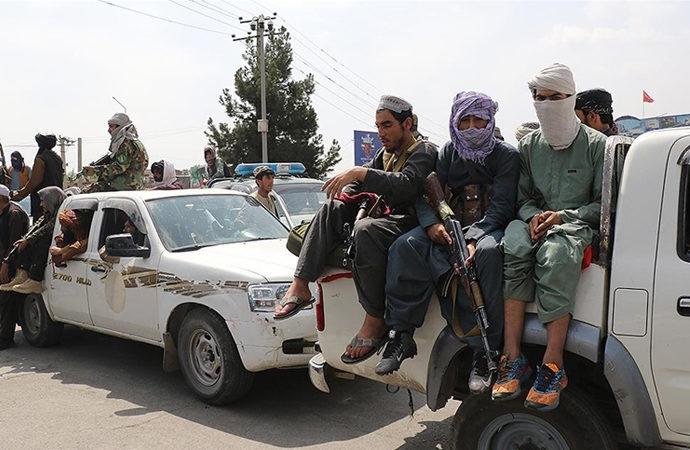 Pakistan, Afgan Talibanı'nın Pakistan Talibanı'na cephe almasını istiyor
