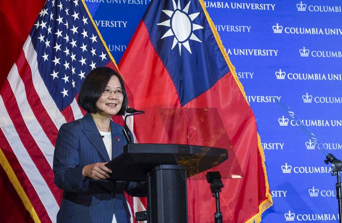 Tayvan liderinden Çin'e: Boyun Eğmeyeceğiz