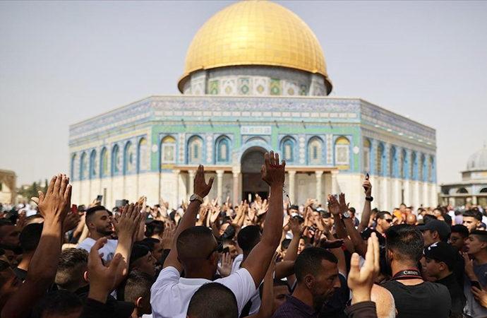 Filistinliler İsrail'i protesto etti