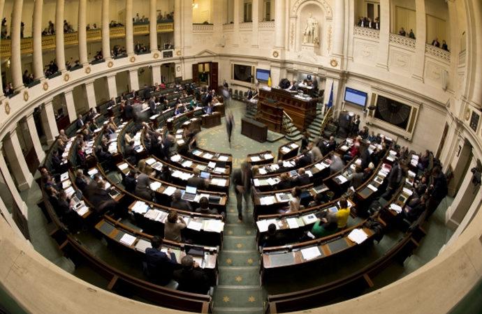 Belçika'da 'pandemi tedbirleri' parlamento onayı gerektirecek