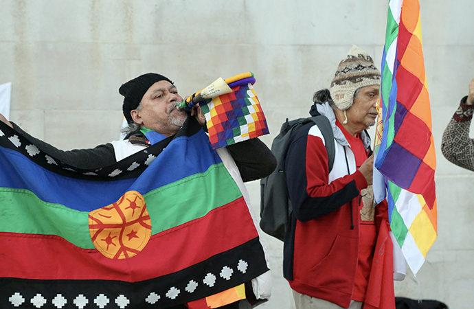 İngiltere'de Colomb ve Sömürgecilik protestosu
