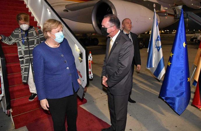 Merkel veda ziyareti için İsrail'de