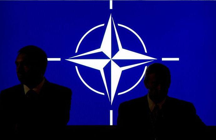 Fransa Nato'nun askeri kanadından çekilebilir mi?
