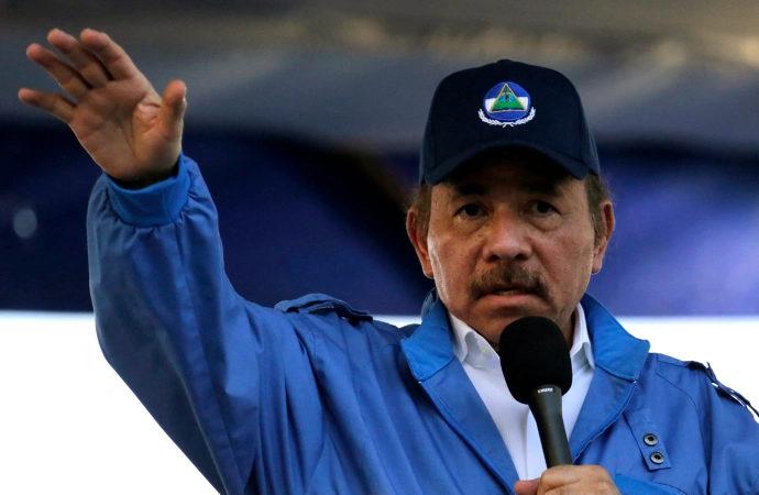 Ortega, katolik piskoposları Yankee'lere hizmet etmekle suçladı