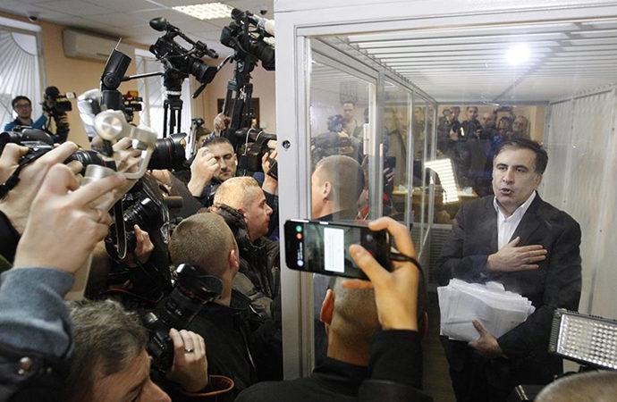 Saakaşvili Gürcistan'a döndü, tutuklandı, açlık grevine başladı