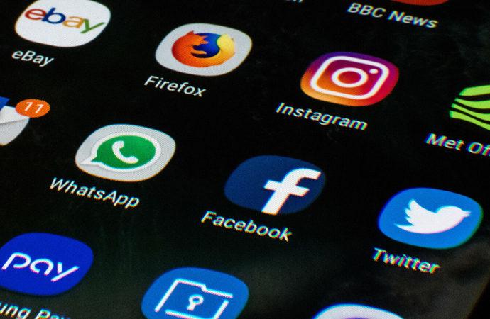 Sosyal medya tekelleşmesi de çökecek mi?