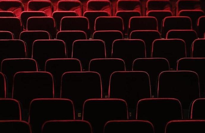 Özel Tiyatrolar'a milyonlarca liralık destek